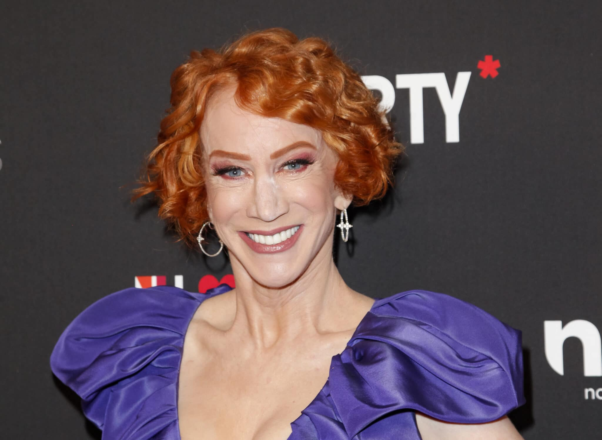 Kathy Griffin gives perfect response to anti-vaxxer calling COVID mandates 'gay'